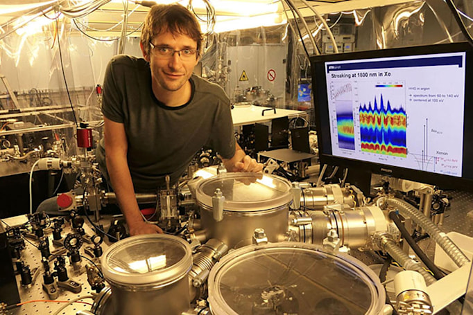 World's quickest laser pulse can track electrons in slow motion