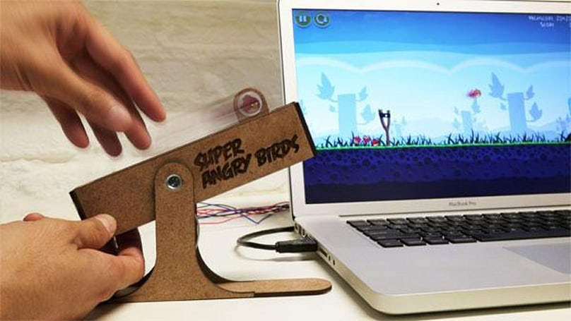Super Angry Birds USB controller puts the sling back in your shot (video)