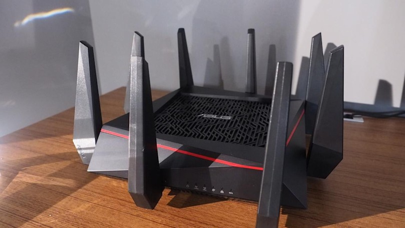 ASUS' spiky router promises the 'world's fastest WiFi'