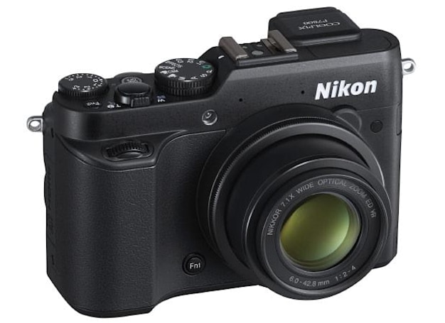 Nikon focuses on prosumers with full-function Coolpix P7800 point-and-shoot