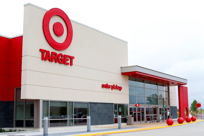 Target expands curbside pickup and same-day delivery services