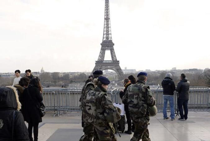 France can order internet providers to block terrorist websites