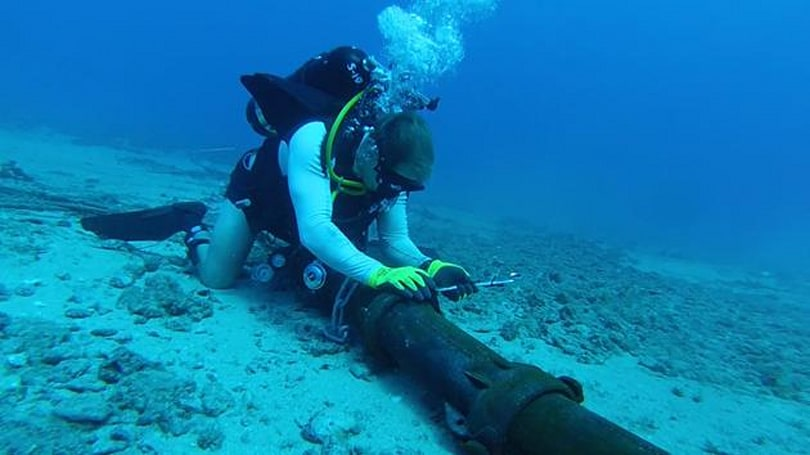 Microsoft pours money into undersea data cables