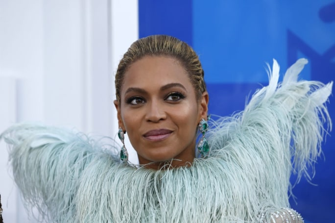 Old Beyoncé and SZA tracks briefly popped up on streaming services