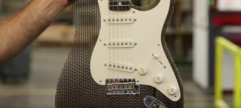 Cardboard Fender Stratocaster shreds without being shredded