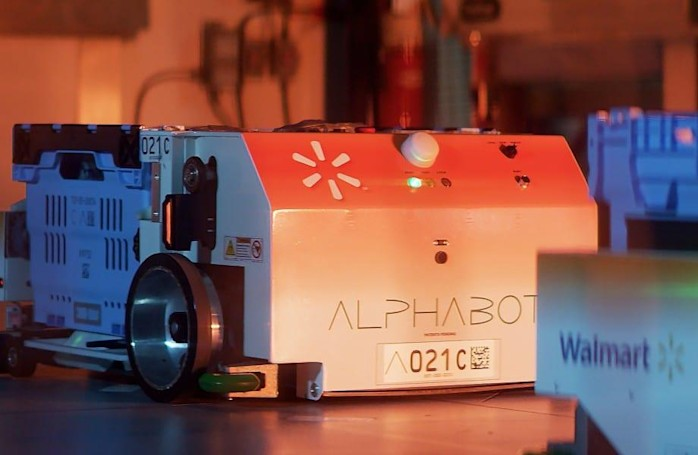 Walmart's Alphabot grocery picker goes fully operational in first store