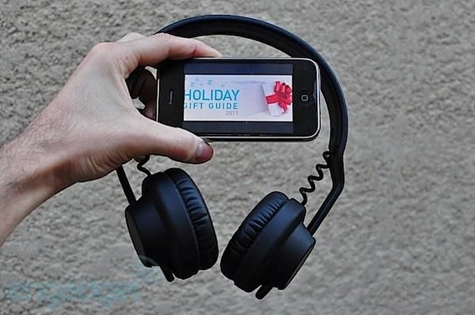 Engadget's holiday gift guide 2011: headphones
