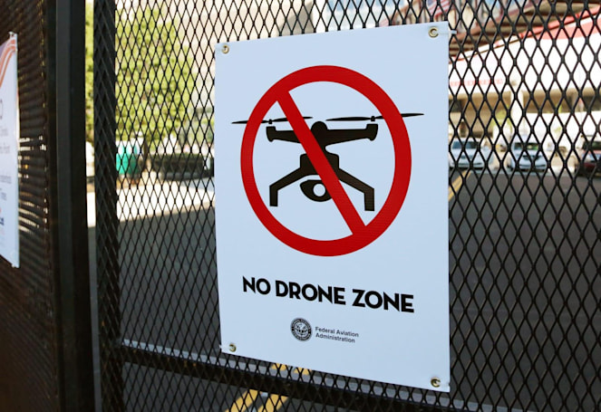 Drone hits a commercial plane for the first time in Canada