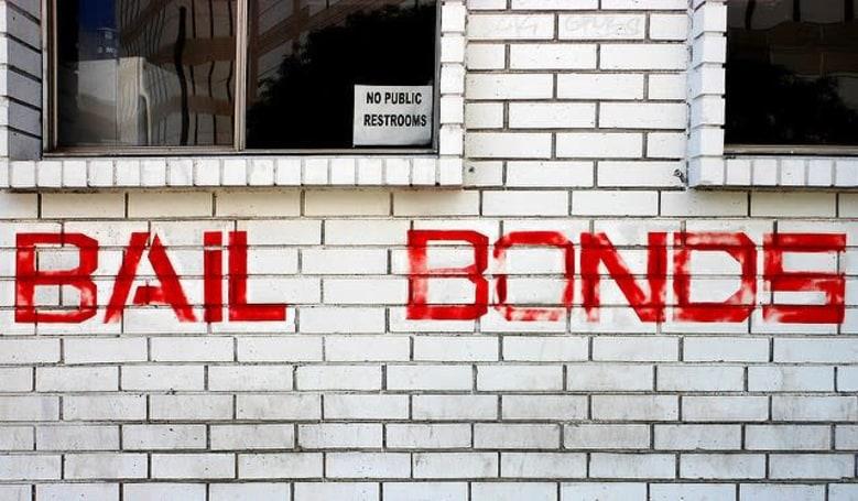 Google bans ads for bail bond services