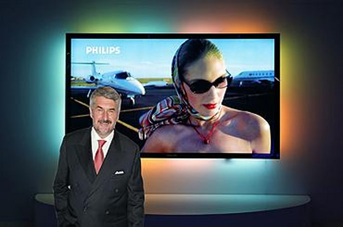 Philips flaunts 100-inch LCD with Ambilight Full Surround