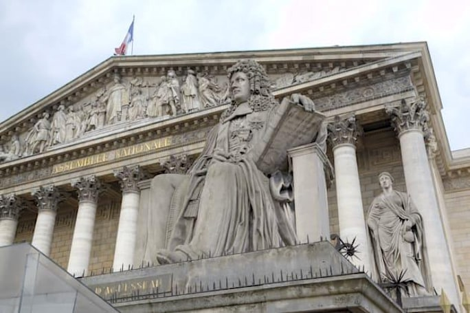 The French Parliament approves controversial surveillance bill