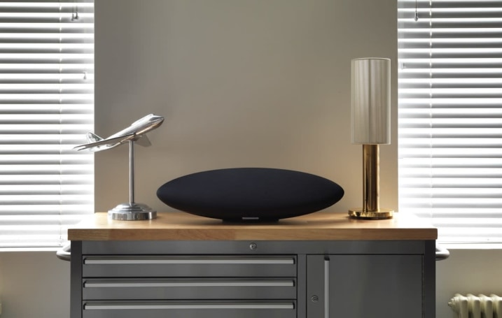 Bowers and Wilkins' new Zeppelin speaker nixes the dock to go wireless