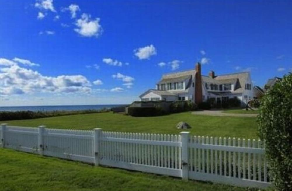 Taylor Swift Sells Hyannis Port House Near Ex Conor Kennedy