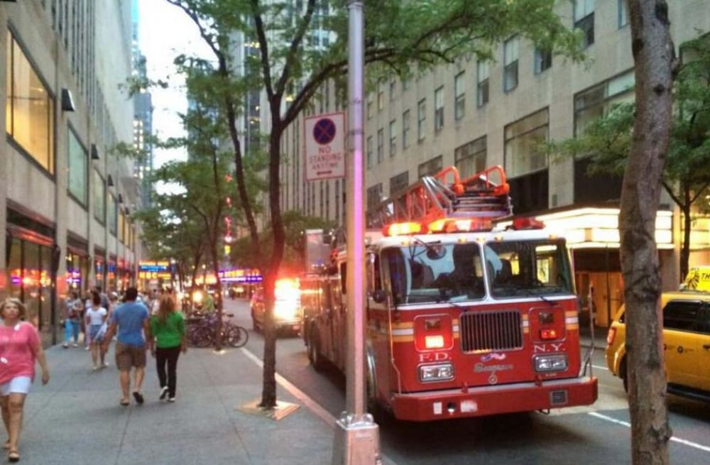 30 Rock Camera : Six people injured when camera catches fire at 30 rockefeller plaza