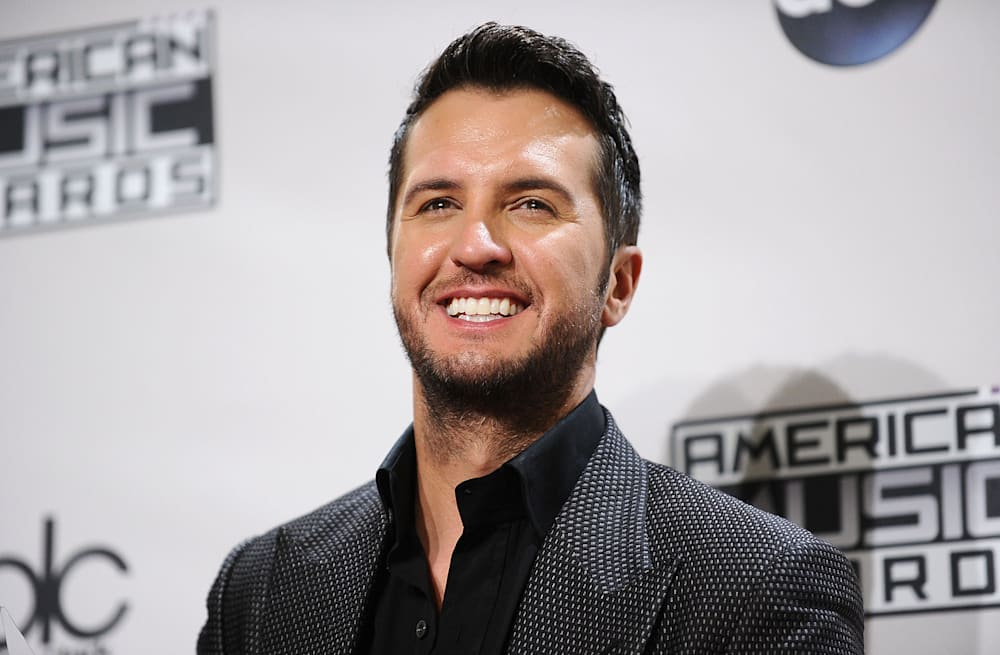 Luke bryan makes an exception to his no butt grabbing rule for an 88 slideshow preview image 28 photos luke bryan m4hsunfo