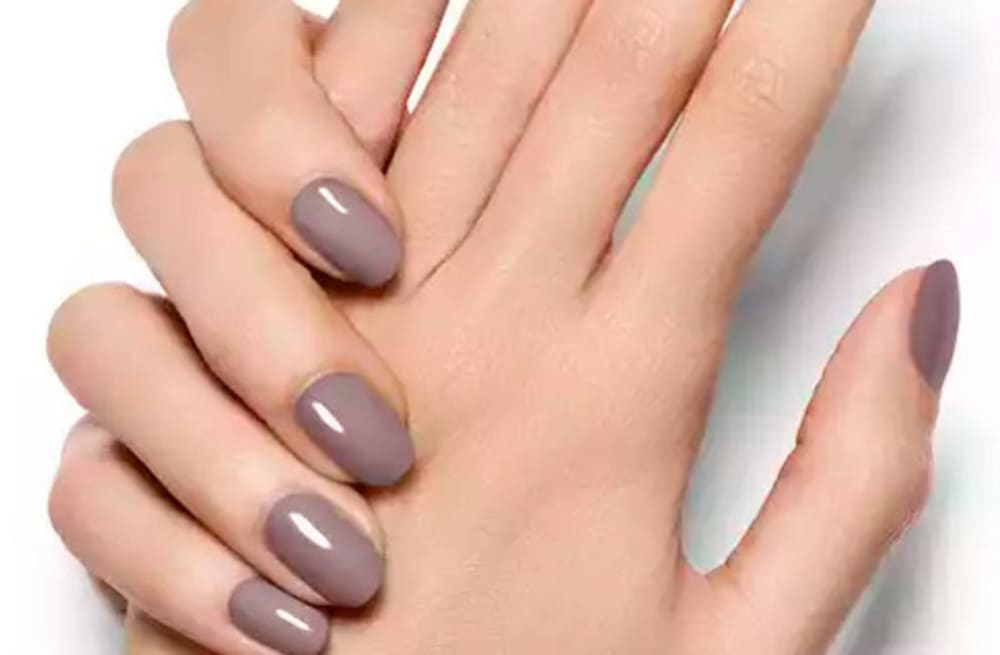 The hidden dangers of acrylic nails and why you might want to re