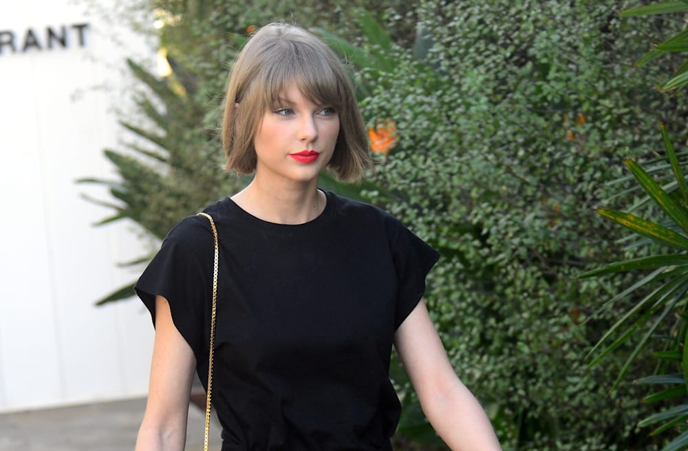 cb35ccc8b7 Sexy Stars: Taylor Swift, Rihanna and more step out in stunning looks
