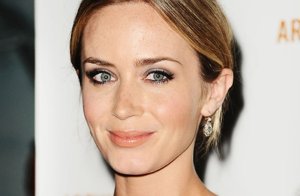 Beauty Look Of The Week Emily Blunt At The Arthur Newman Premiere