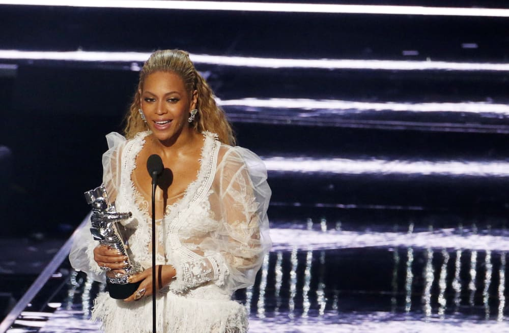 Beyonce wore a wedding dress to accept the Video of the Year Award