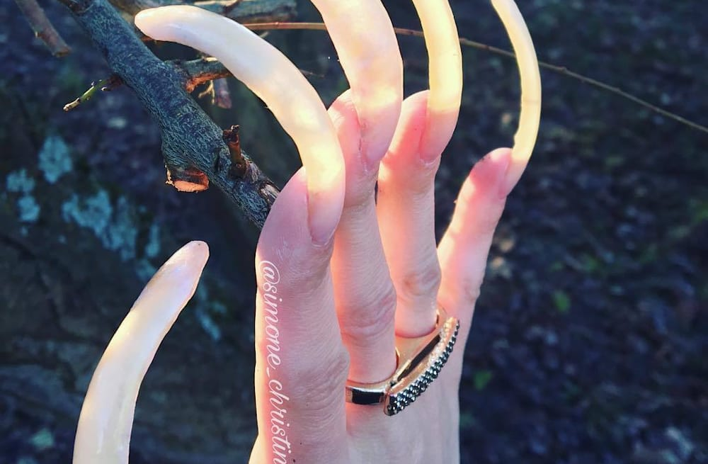 Teenager hasn\'t cut her nails in three years - AOL Lifestyle