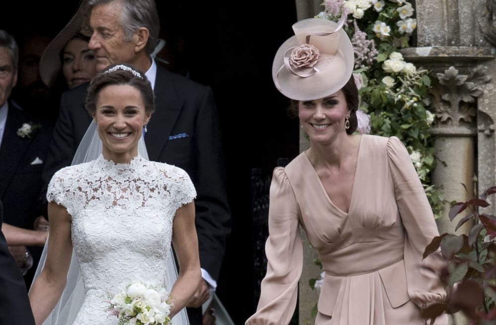 Everyone has mixed feelings about Duchess Kate\'s dress for Pippa ...