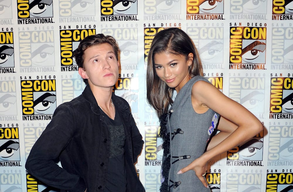 Zendaya and tom holland continue to quietly date for privacy slideshow preview image m4hsunfo