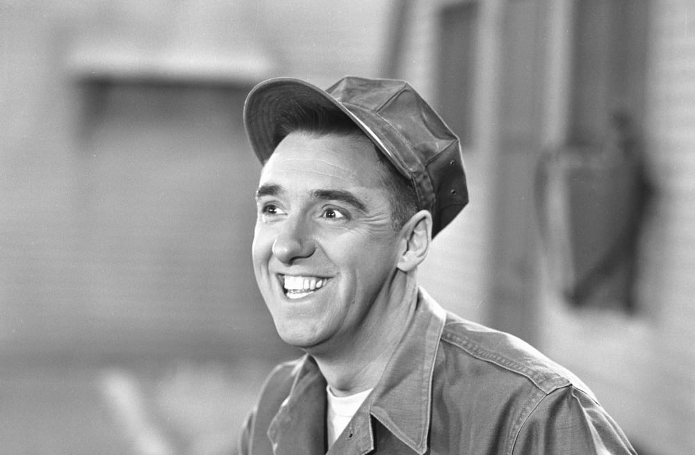 Jim Nabors, the cheerful Gomer Pyle on two TV series, dies at 87