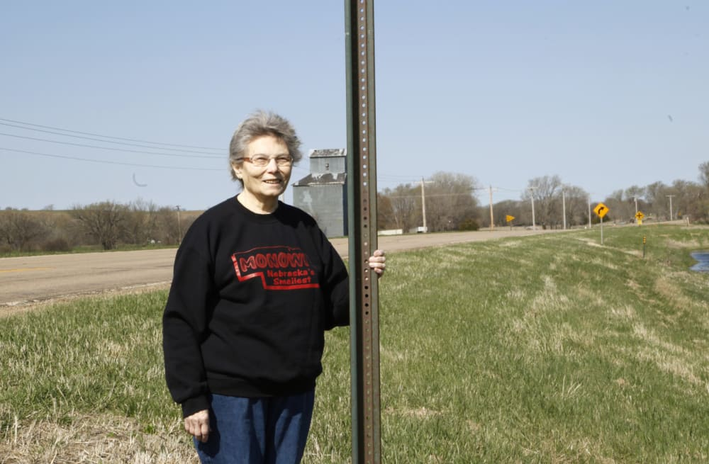 Slideshow Preview Image 13 Photos Monowi Nebraska Is The Smallest Town In America