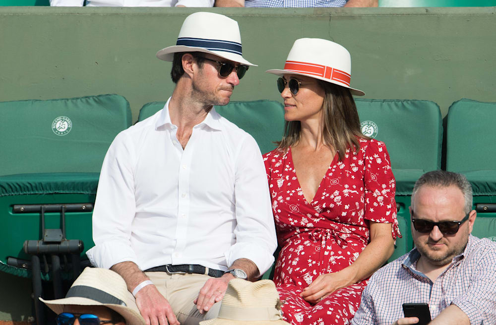 c8c6efaf15ff4 Pregnant Pippa Middleton shows off growing baby bump at French Open ...