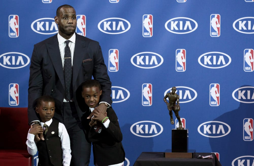 87506542246a LeBron James beams with pride after son switches to No. 23 - AOL News