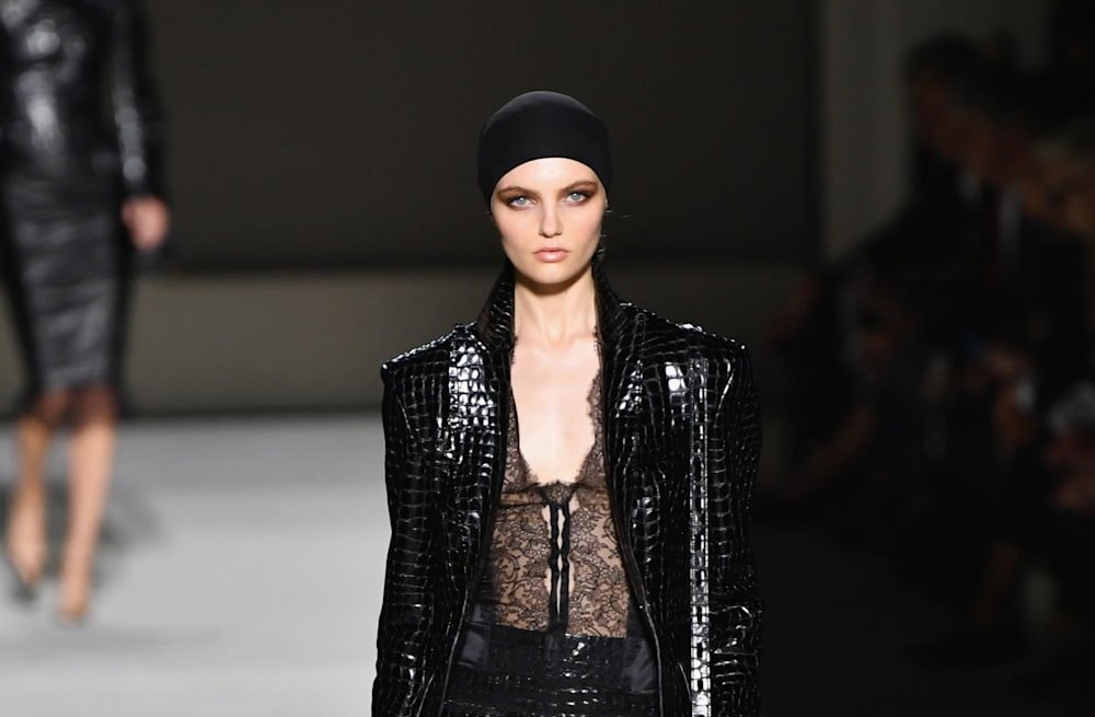 Tom Ford opts for neutrals, leather and leopard for Spring 2019 ... f8b5960e9e51