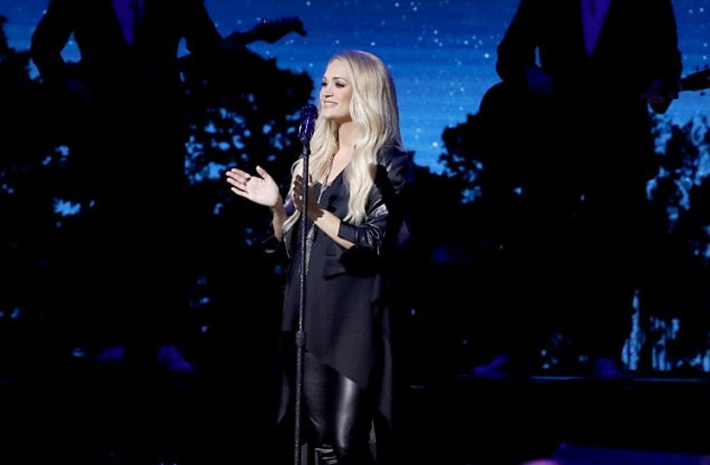 6f22a3742a20b Carrie Underwood just wore the chicest and affordable maternity ...