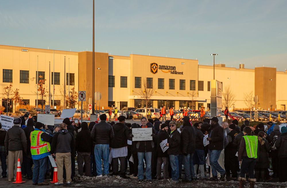 Muslim Amazon workers protest over insufficient number of breaks for