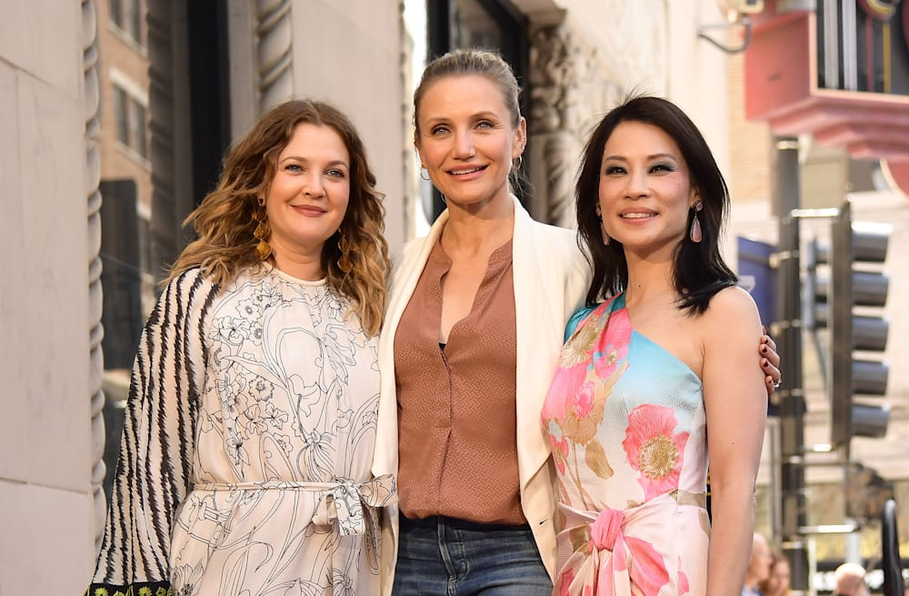 Cameron Diaz Makes Rare Public Appearance To Reunite With Charlie S Angels Co Stars At Lucy Liu S Walk Of Fame Ceremony Photos Aol Entertainment
