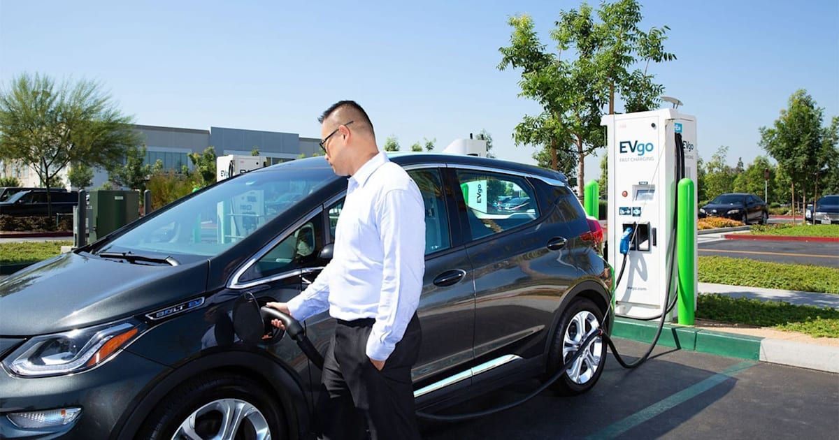 Chevy's upcoming Bolt app will show real-time charging station status