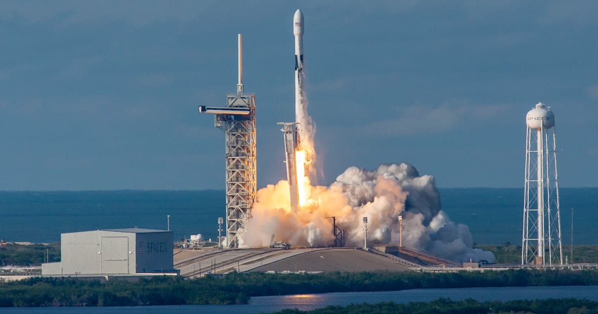 SpaceX drops plans to make Falcon 9 rockets more reusable