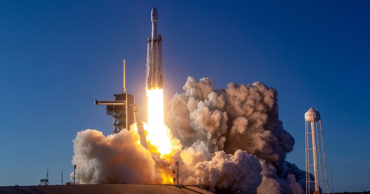 SpaceX sues over 'wrongly awarded' Air Force rocket contracts