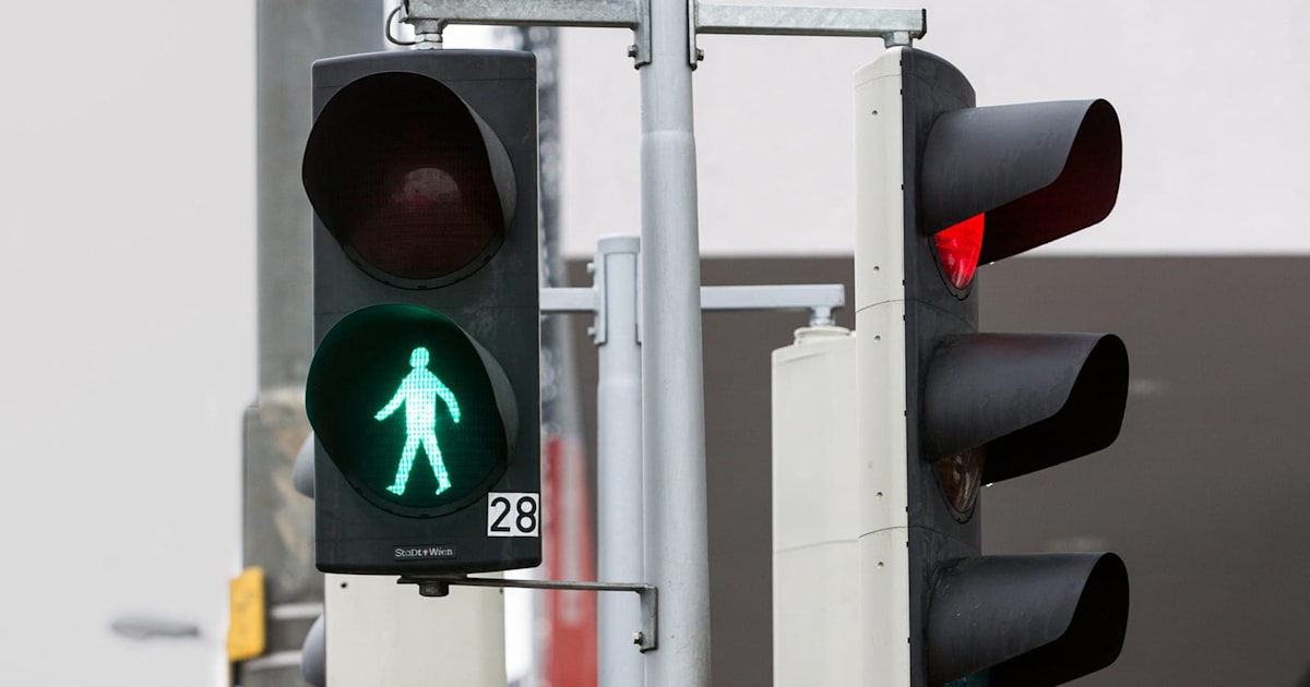 Traffic lights of the future know when you want to cross the street 1