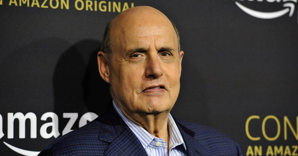 Jeffrey Tambor Leaves Amazon's 'Transparent' Over Harassment Claims