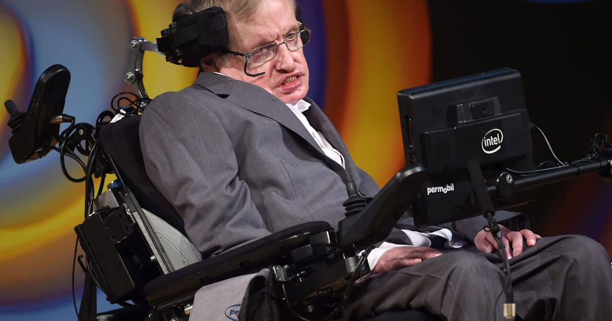 Stephen Hawking makes his doctoral thesis available online