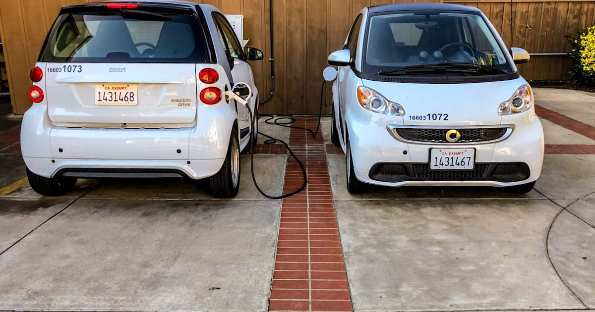 Smart cars are disappearing from North America - Engadget
