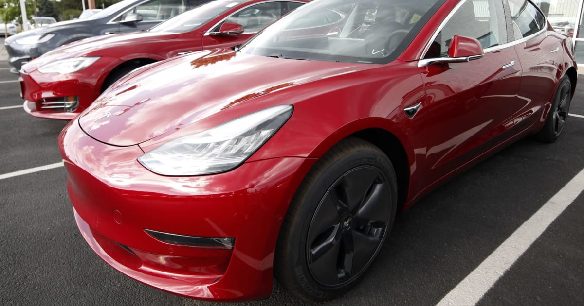 SEC Subpoenas Tesla Over Model 3 Production Claims