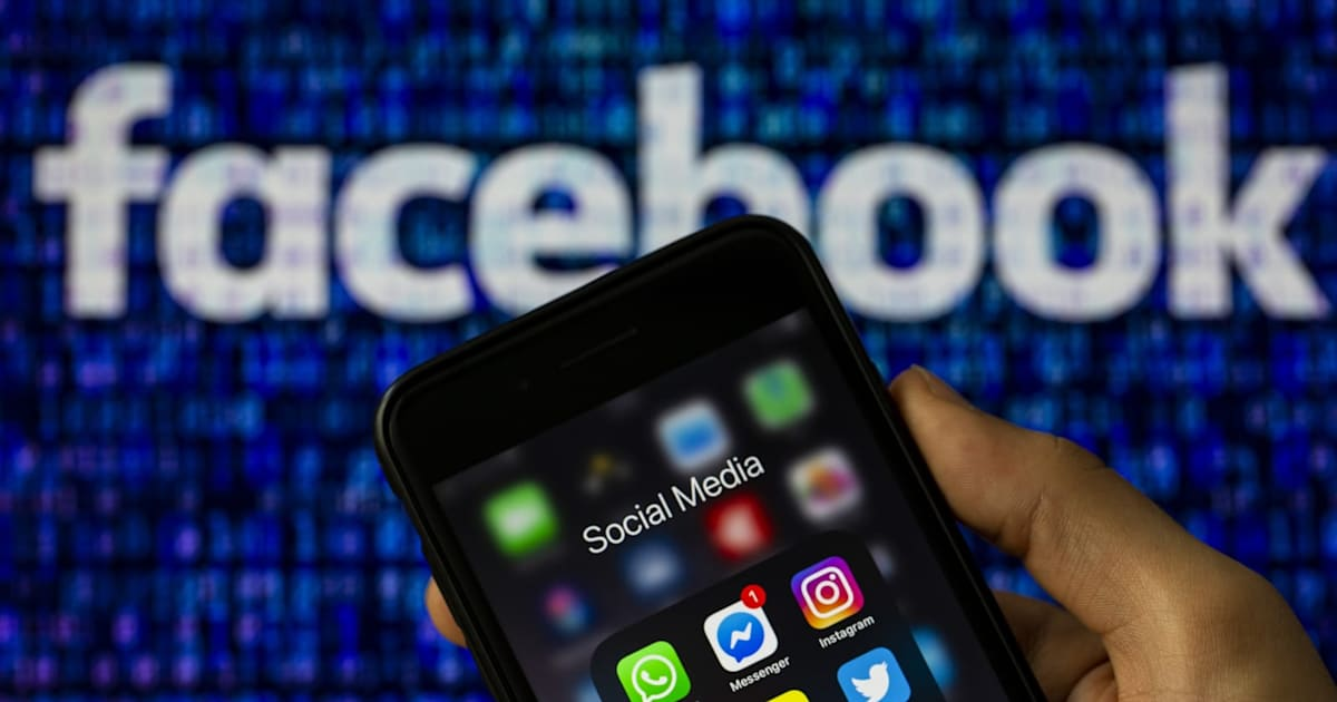 WSJ: Facebook won't push through with plans to put ads in WhatsApp 1