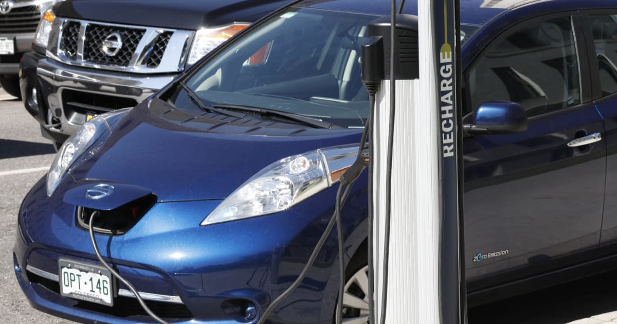 Colorado hopes to fine gas car drivers who park at EV stations 1