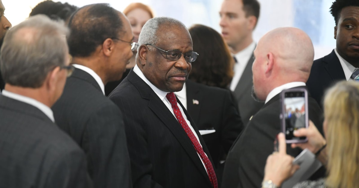 Clarence Thomas laments ruling that let FCC kill net neutrality 1