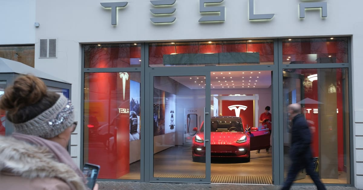 Tesla Starts Taking Model 3 Orders in Select European Countries