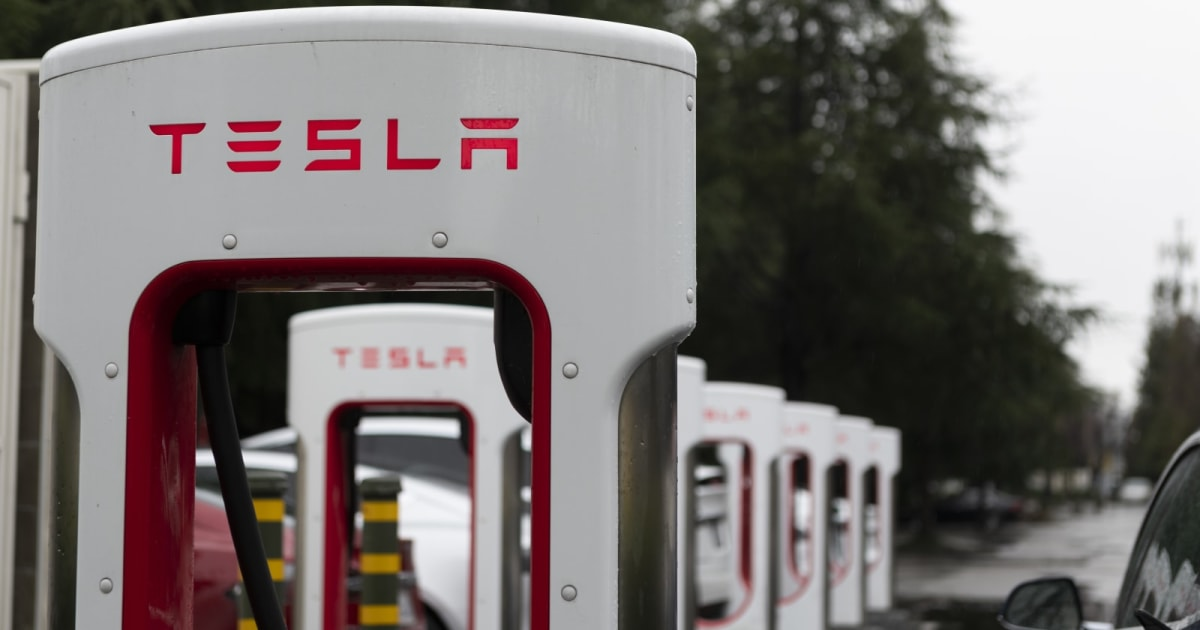 Tesla's 'Sustainable' Referral Program Limits Free Supercharging