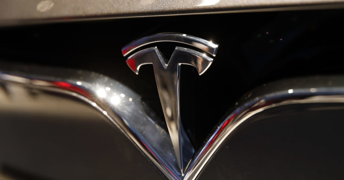 Former Tesla employee admits to storing Autopilot source code on his own iCloud