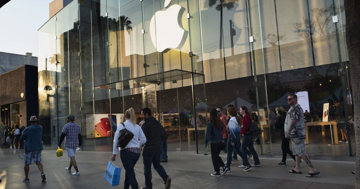 Apple's wearables and services made up for weak iPhone sales 1