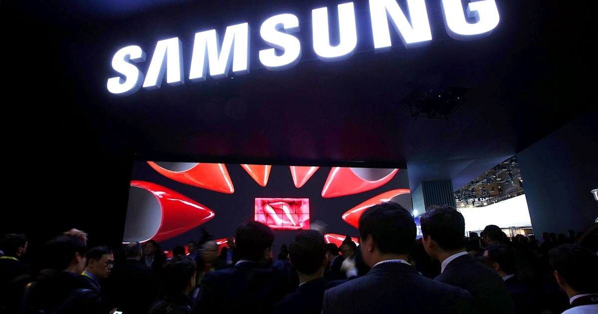 We're live from Samsung's 2019 CES press conference!